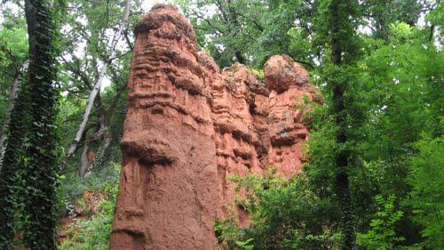Le site des Igues de Py et de Rouffiés à Compolibat près de Villefranche-de-Rouergue