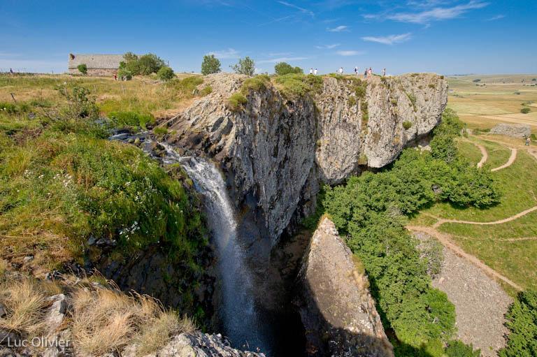 La cascade du Déroc est une chute d'eau du département de la Lozère et constitue l'un des sites naturels les plus remarquables de l'Aubrac.