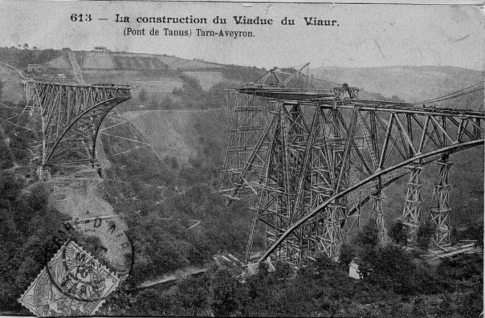 A l'issue d'un concours ouvert en 1887 (à des ingénieurs parmi lesquels figurait Gustave Eiffel), il fut attribué à l'ingénieur Paul Bodin de la Société de construction des Batignolles, et construit par celui-ci entre 1895 e