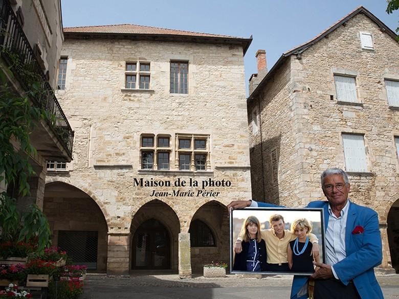 Maison de la photo Jean-Marie Périer de Villeneuve d'Aveyron