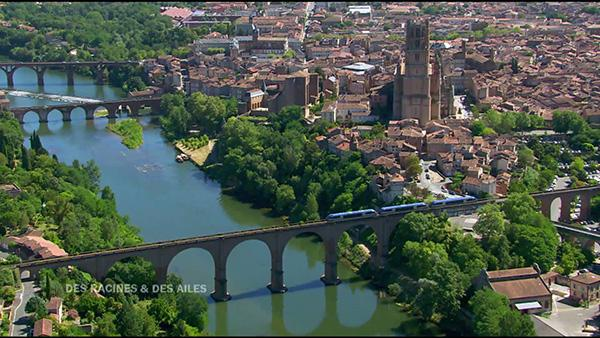 Direction Albi. Frédéric Konéfal est conducteur de trains mais c'est avant tout un passionné de la ligne historique qui relie Albi à Rodez.