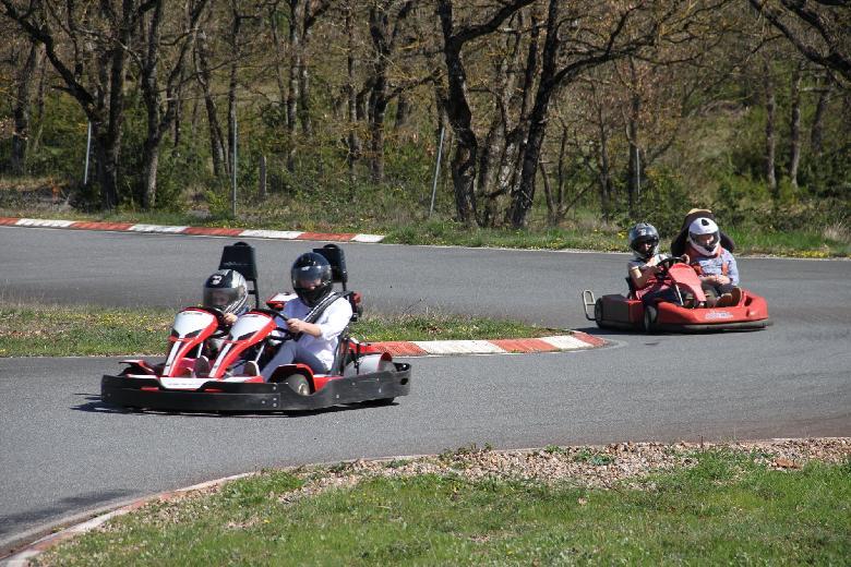 Karting au parc de loisirs des Bouscaillous en Aveyron