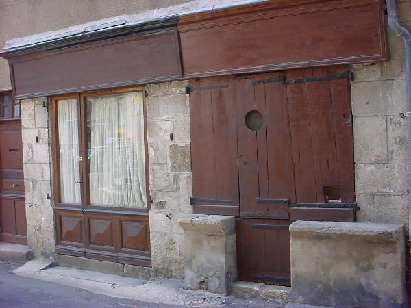 Vieille échoppe de la rue droite - Aveyron