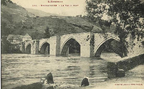 Le pont de la Truyère - Entraygues - Aveyron - France