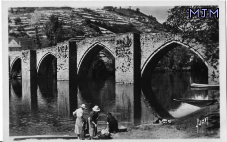 Pont gothique de la Truyere - Entraygues - Aveyron