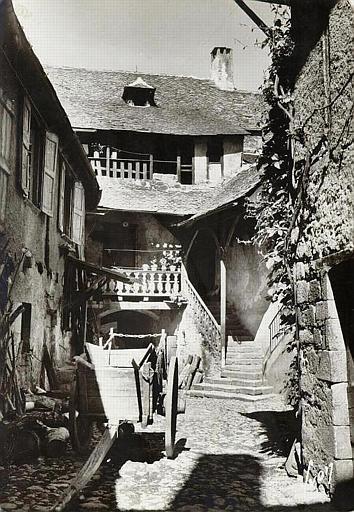 La maison Valette: ancienne auberge - Aveyron - France