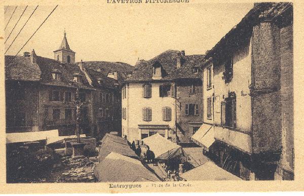 La place de la croix - Aveyron - France