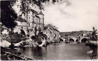 Espalion, le pont et le vieux palais - Aveyron - France