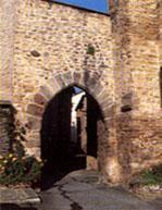 Porte fortifiée-St Côme d'Olt-Aveyron