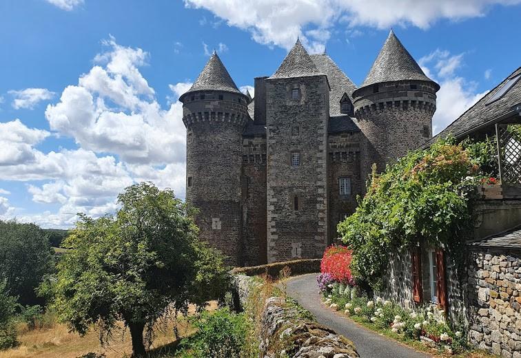 Château du Bousquet entre Laguiole et Entraygues - Aveyron