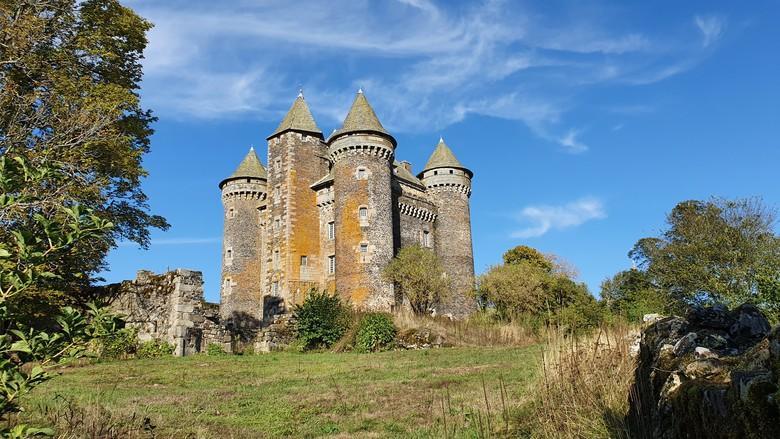 Château médiéval de l'Aveyron