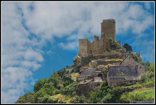 Le chateau de Valon en Carladez - Aveyron