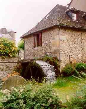 Le moulin de Ste Eulalie d'Olt - Aveyron - France