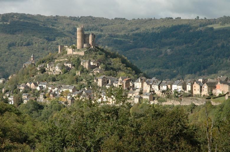 Najac surplombant la rivière Aveyron
