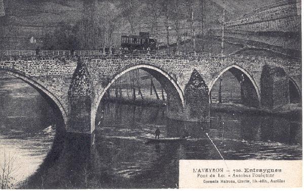 Un courrier su le pont d'olt - Entraygues - Aveyron