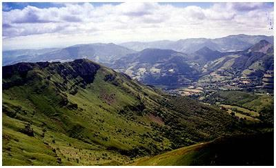 Vue depuis le Plomb du Cantal: plus haut sommet du Cantal