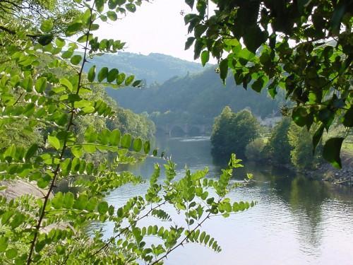 Entraygues sur Truy�re - Entre eaux et vins - Aveyron