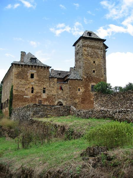 Le ch�teau du Colombier � Mondalazac - Aveyron - France